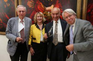 Op de foto van links naar rechts: Richard Celis (erevoorzitter), An de Moor, Kamiel D'Hooghe en Jan De Groof.